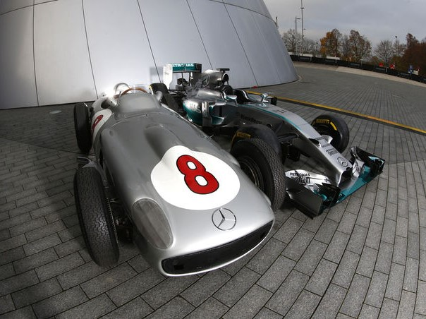 http://superf1.be/spip/IMG/jpg/comparison-mercedes-w196-vs-amg-w05-2015-fotoshowimage-e52b9d63-837634.jpg