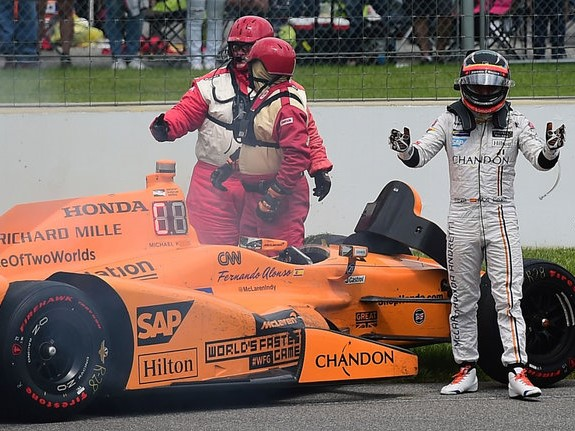 http://superf1.be/spip/IMG/jpg/skysports-alonso-mclaren-fernando-indy-indianapolis_3965377.jpg